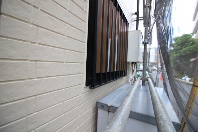 外壁継ぎ目補修
